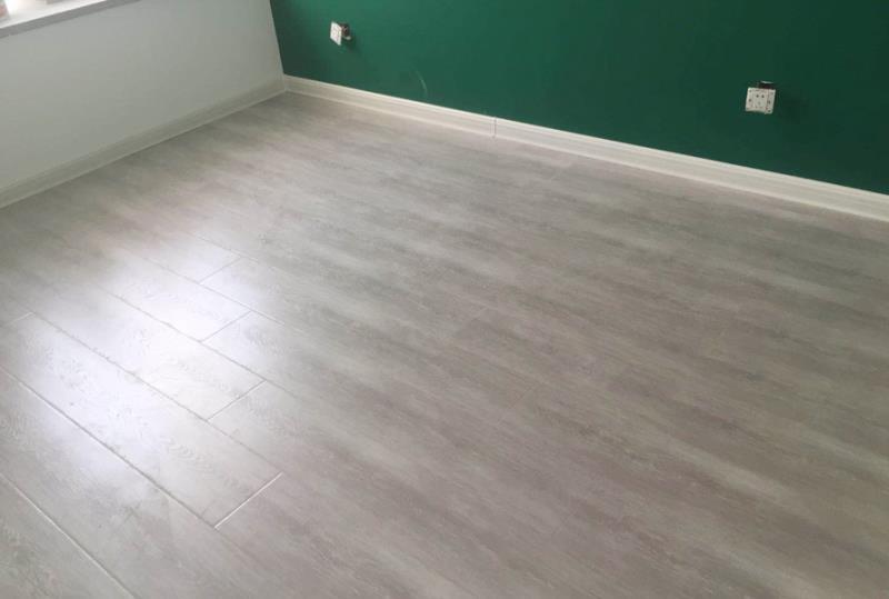 家装铺贴地板